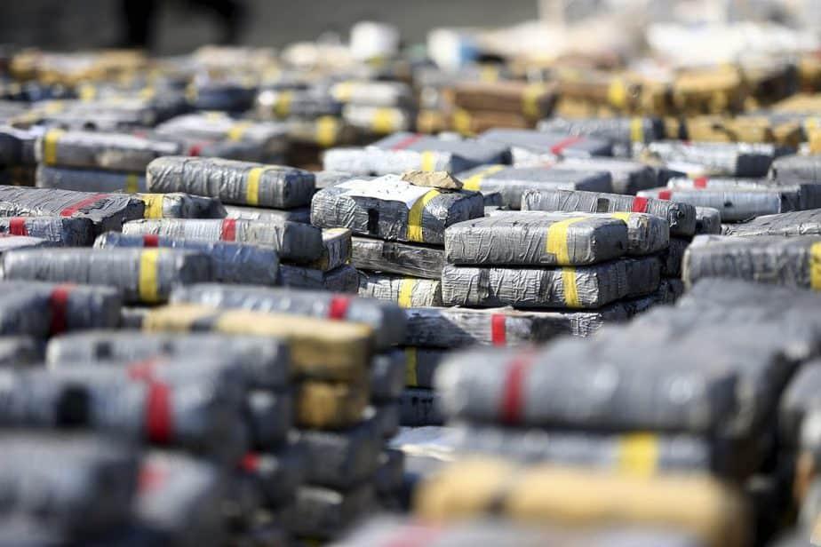 Bloques de cocaína incautadas por la Policía. FOTO: Reuters