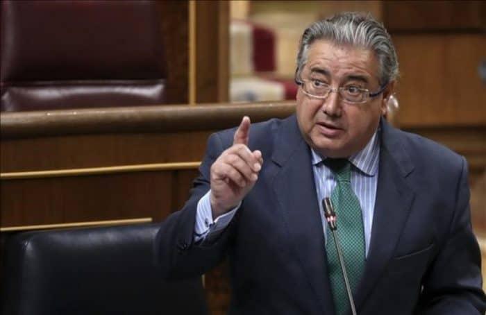 Juan Ignacio Zoido asegurará que impedirá que Puigdemont entre de incógnito a España.