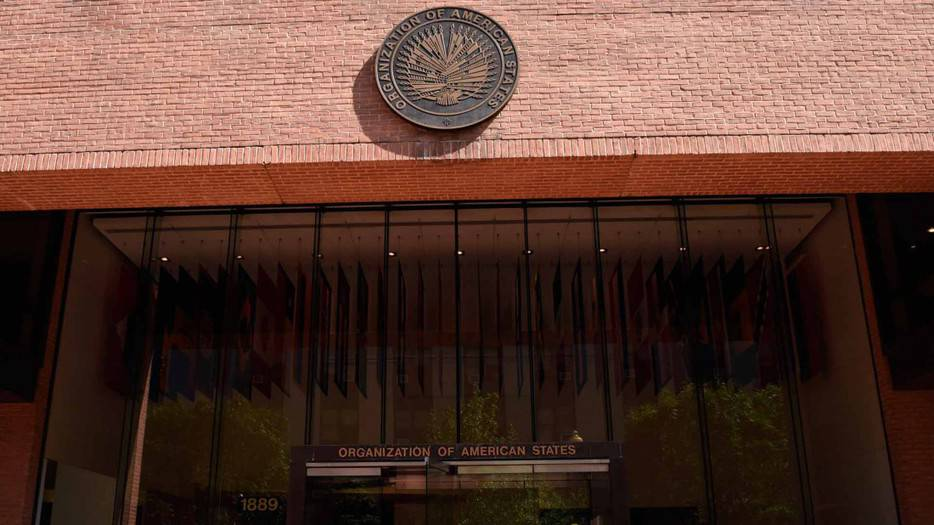 OEA votará este lunes resolución para desconocer reelección de Maduro