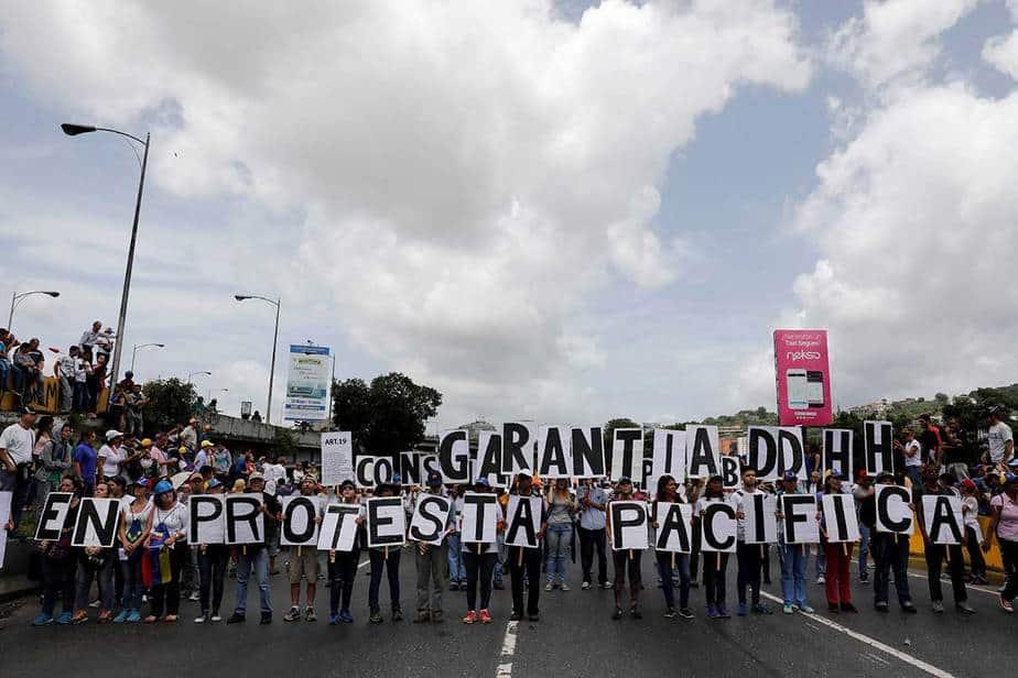 Marcha de la oposición de Venezuela hacia la Cancillería (31/05/17) Reuters