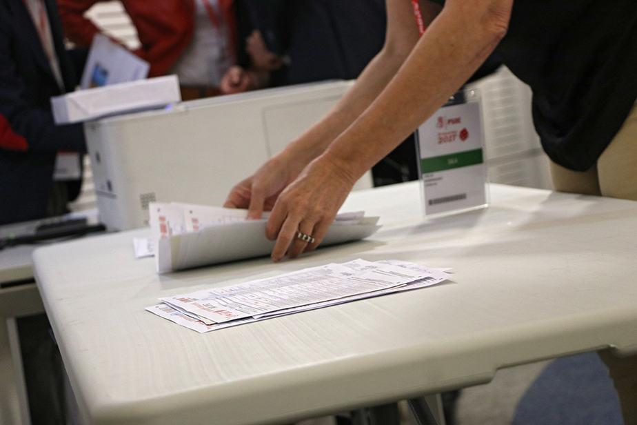 Proceso de verificación de los avales. FOTO: Flickr PSOE