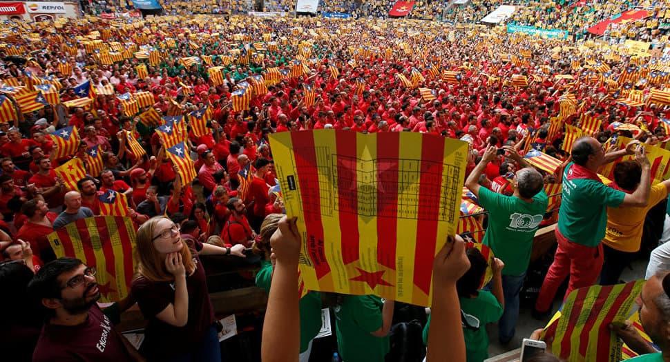 Escritores y artistas catalanes contra el referéndum