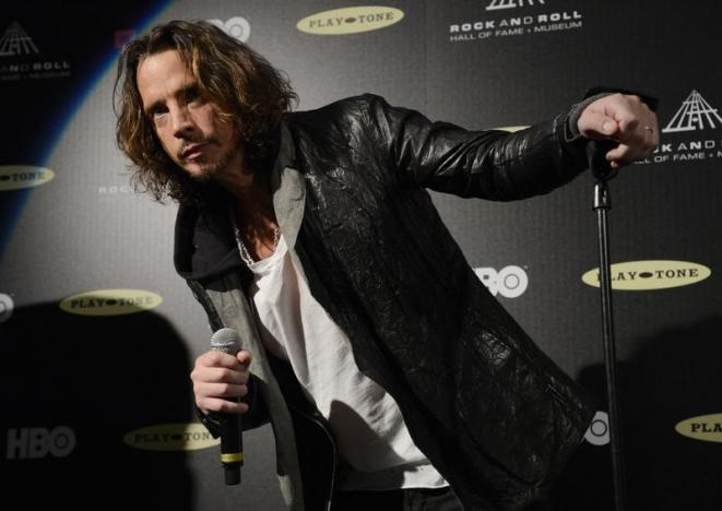 Chris Cornell speaks at the 2013 Rock and Roll Hall of Fame induction ceremony in Los Angeles April 18, 2013.   REUTERS/Phil McCarten