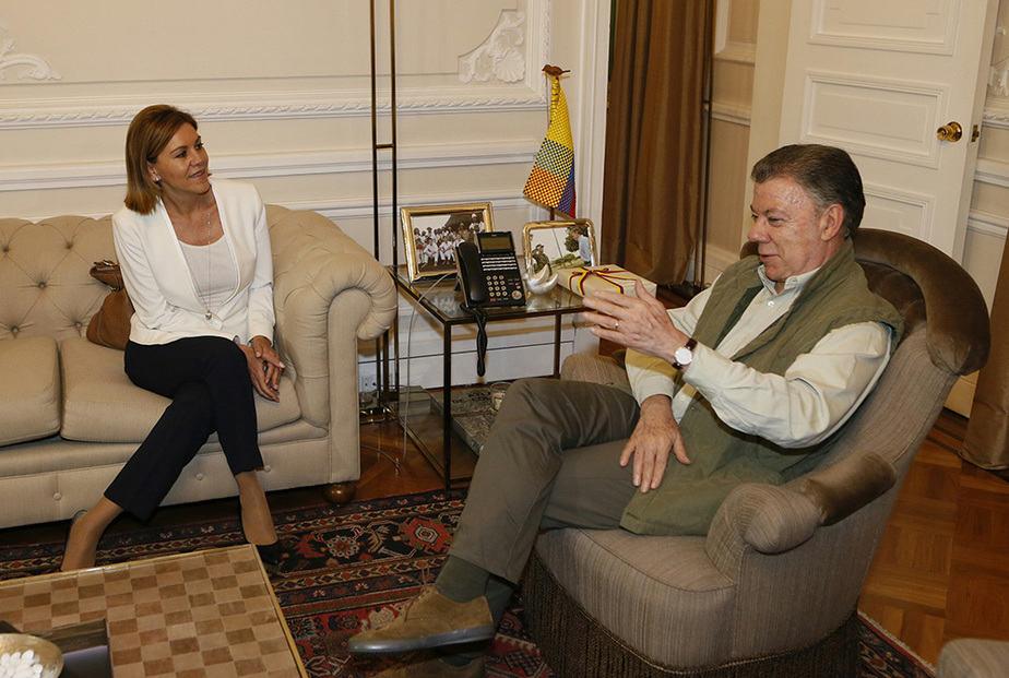 Reunión en Bogotá entre María Dolores de Cospedal y Juan Manuel Santos. FOTO: Ministerio de Defensa