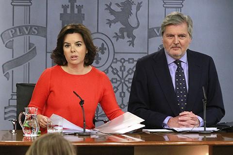 Soraya Sáenz de Santamaría e Íñigo Méndez de Vigo. FOTO: Moncloa