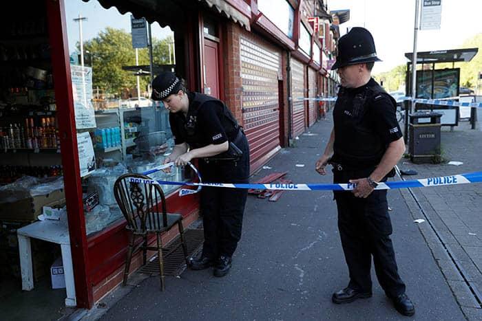 Policías en Mánchester. FOTO: Reuters