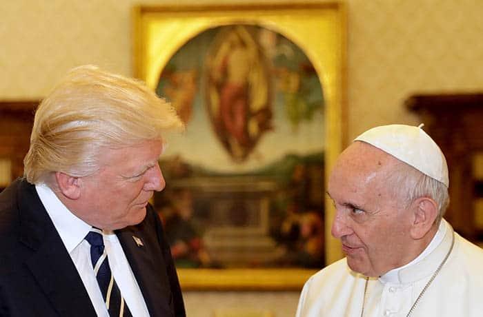 El Papa Francisco y Donald Trump, en su encuentro en el Vaticano. FOTO: Reuters