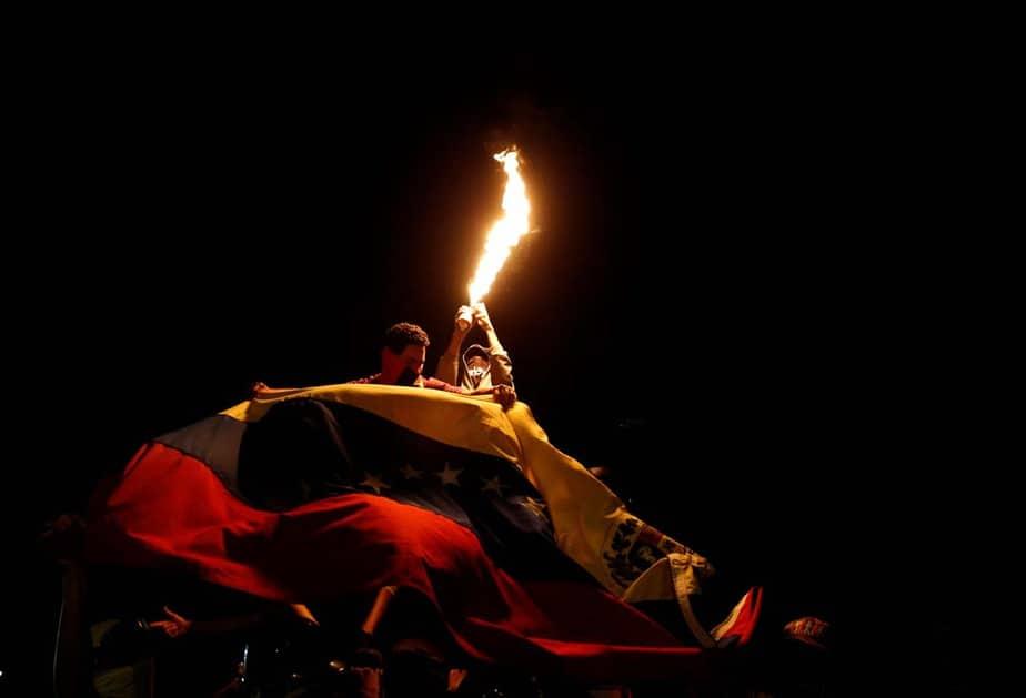 """""""Marcha nocturna por los caídos"""" en Caracas, Venezuela (21/06/17) REUTERS/Ivan Alvarado."""