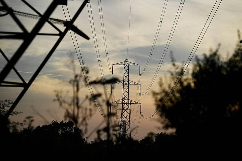 Postes de electricidad. FOTO: Reuters