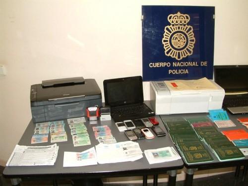 Falsificaciones capturadas por la Policía. FOTO: Policía Nacional