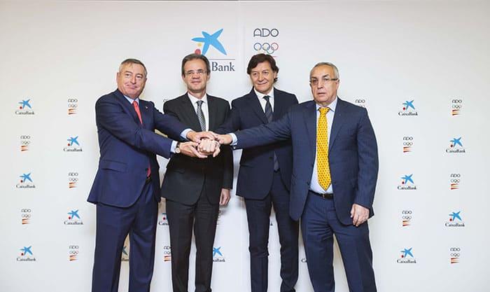 Firma del acuerdo entre CaixaBank y el COI para la financiación del Plan ADO.