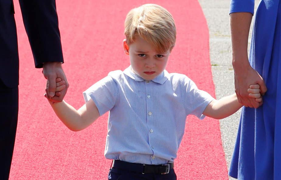 Prince George llega al aeropuerto de Tegel en Berlín, Alemania, 19 de julio de 2017. REUTERS / Fabrizio Bensch IMAGENES TPX DEL DÍA