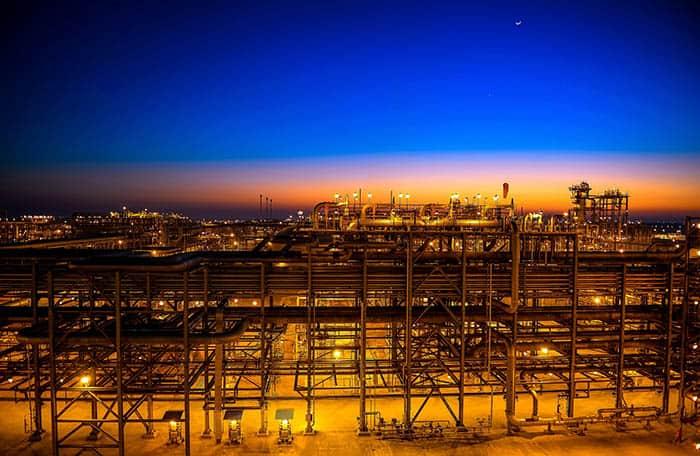 Planta de tratamiento de petróleo en Arabia Saudí.