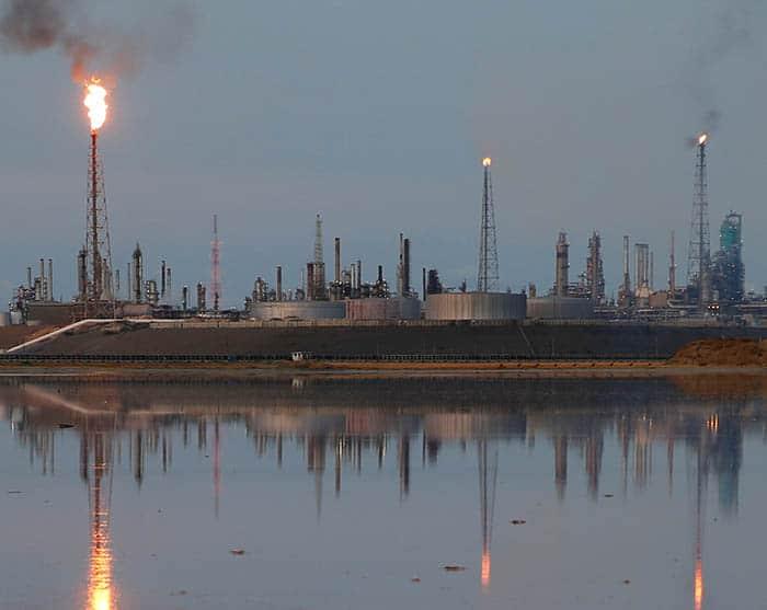 Refinería de petróleo. FOTO: Reuters