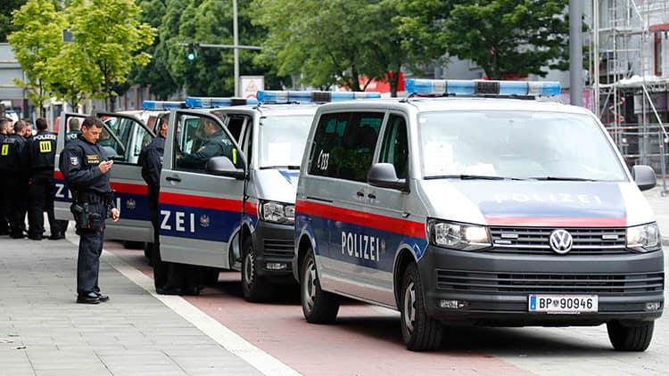 Vehículos de la policía en Hamburgo