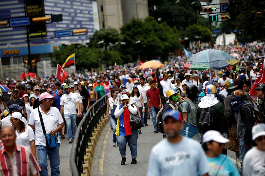 Enfrentamientos de agentes y manifestantes que iban hacia el Supremo venezolano (22/07/17) Reuters.