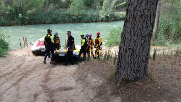 Los drones peinan el río Cabriel en busca del menor desaparecido.