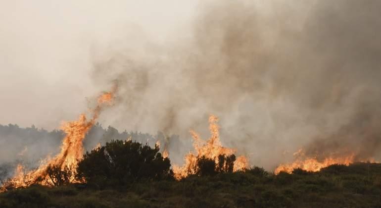 Estabilizado el incendio de León tras arrasar 8.000 hectáreas