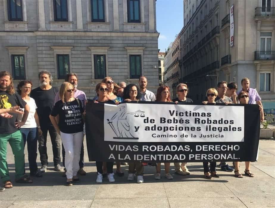 Víctimas españolas de bebés robados piden un censo nacional de desaparecidos