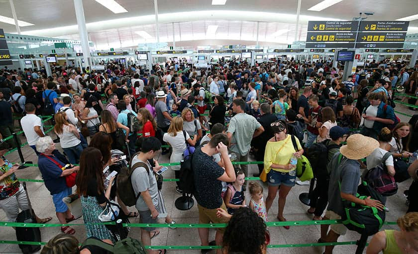 Caos en el aeropuerto de Barcelona-El Prat.