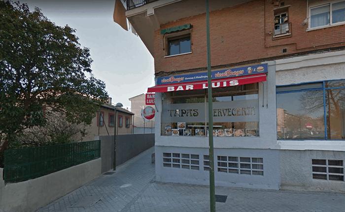 Degollado un policía municipal en un bar de Madrid.