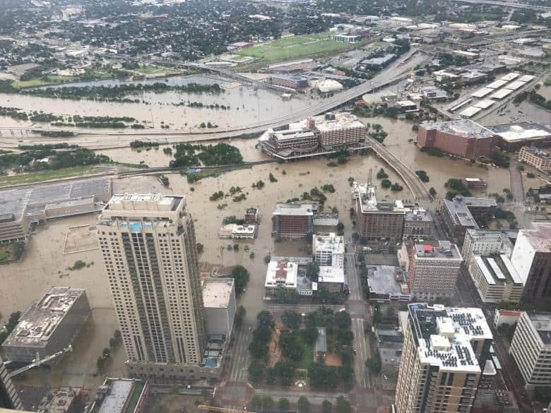 La inundación en Houston, visto desde la JP Morgan Chase Tower. Christian Tycksen via REUTERS