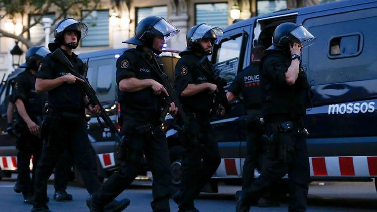 Policías en Barcelona - Mossos en Cambrils