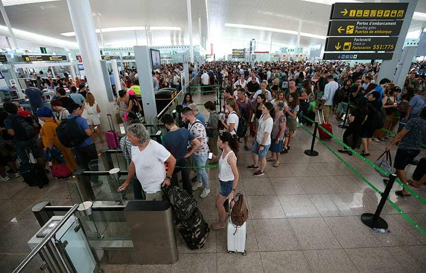 Huelga de trabajadores de seguridad en el aeropuerto de El Prat de Barcelona.
