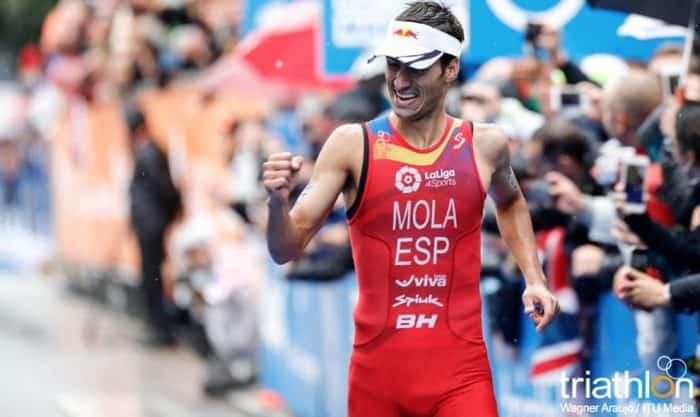 Mario Mola conquista su segundo Mundial de triatlón