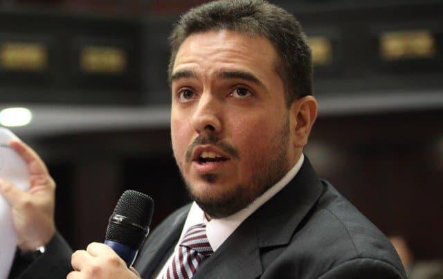 El jefe de la bancada de oposición del Parlamento venezolano, Stalin González