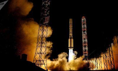 Satélite El satélite de comunicaciones español Amazonas-5 fue lanzado hoy exitosamente desde el cosmódromo ruso de Baikonur, en Kazajistán, con la vista puesta en el mercado latinoamericano.
