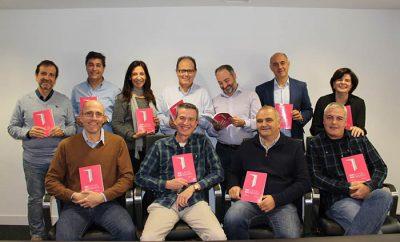 Autores de RRelatos HHumanos, una novela sobre la crisis.