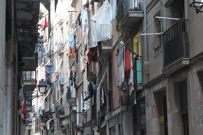 Narcopisos en el Raval de Barcelona.