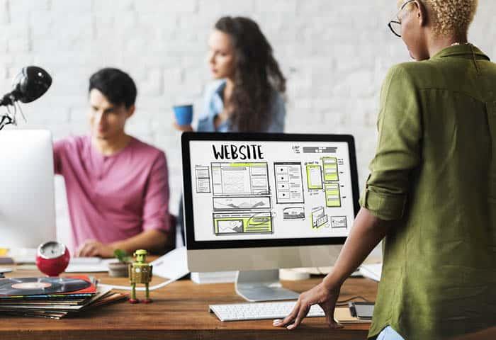 Muchas empresas aún no disponen de web.