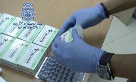 Incautación de medicamentos por parte de la Policía.