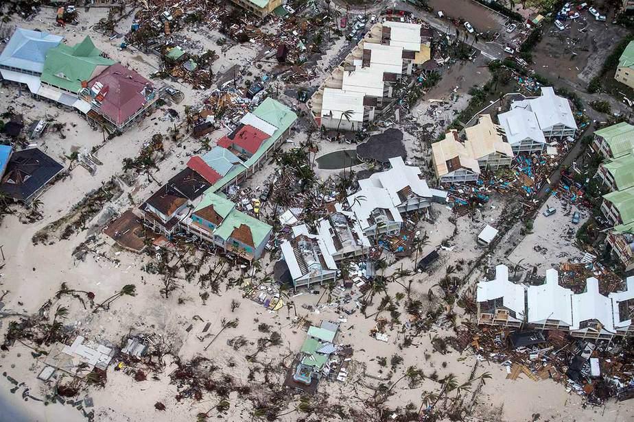 Una vista aérea de las estructuras sin techo en Sint Maarten, el lado holandés. (Reuters / Ministerio de Defensa de Holanda)