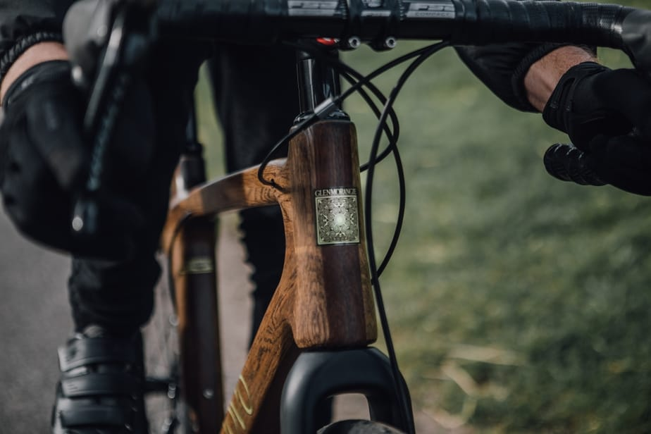 16841d4f00 La primera bicicleta fabricada con madera de barrica de whisky