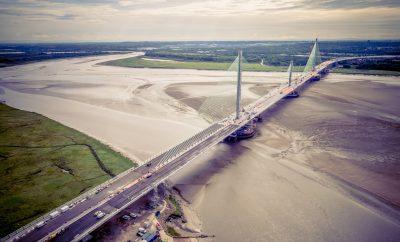 Puente de Mersey Mersey Gateway Bridge - Aerial Drone Footage. El Grupo FCC finaliza el puente de Mersey en Reino Unido
