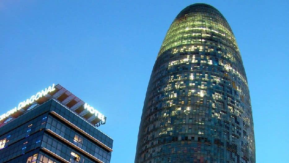 La Torre Agbar nuevamente al mercado del alquiler tras no conseguir la EMA