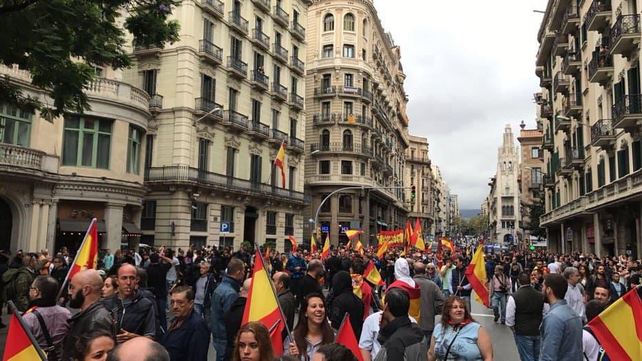 PP y C's llaman a salir a la calle a los catalanes que se sienten españoles.