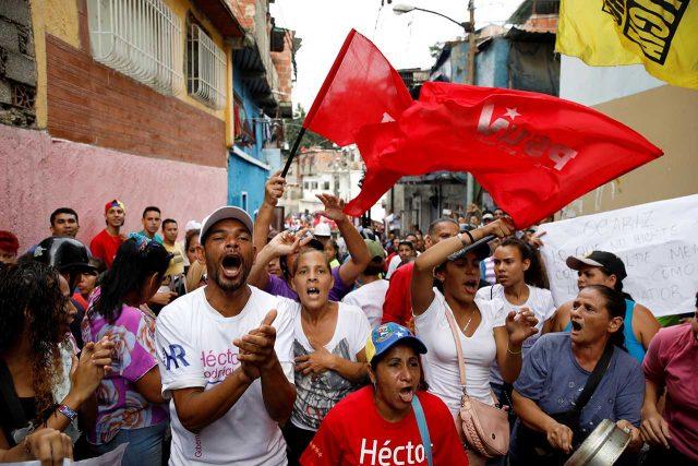 Seguidores del chavismo en la populosa parroquia Petare, en el estado de Miranda (Reuters)