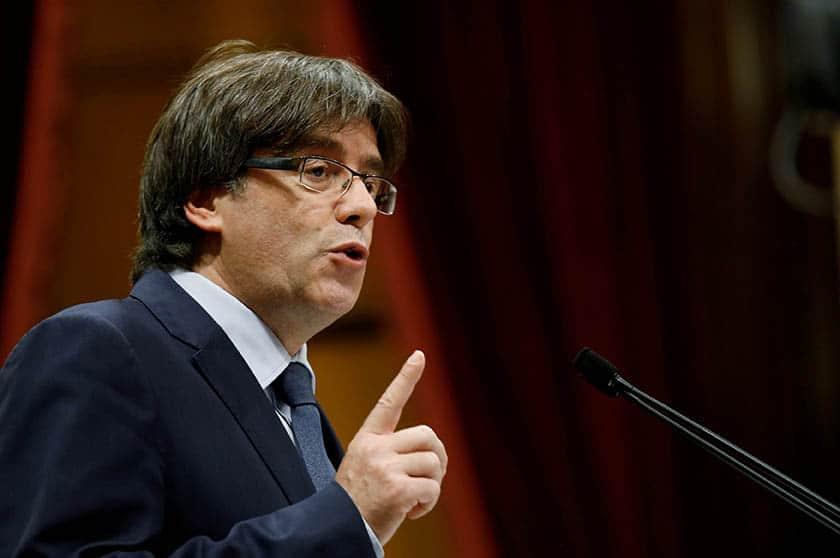Puigdemont no ha decidido si pedirá asilo en Bélgica.