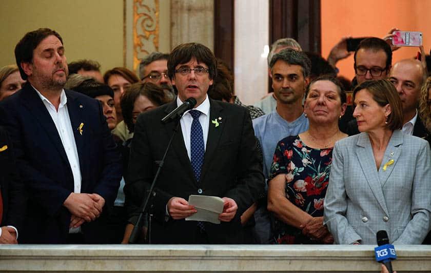 La Fiscalía se querella contra Puigdemont y su Govern.