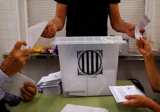 Investigan en Reus el referéndum del 1-O.