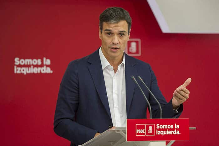 Sánchez y Rajoy llegan a un acuerdo para reformar la Constitución.