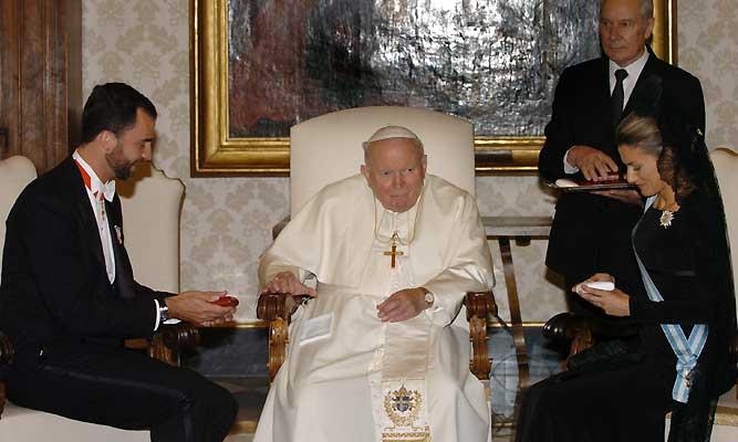 El Papa Santo con los Reyes de España