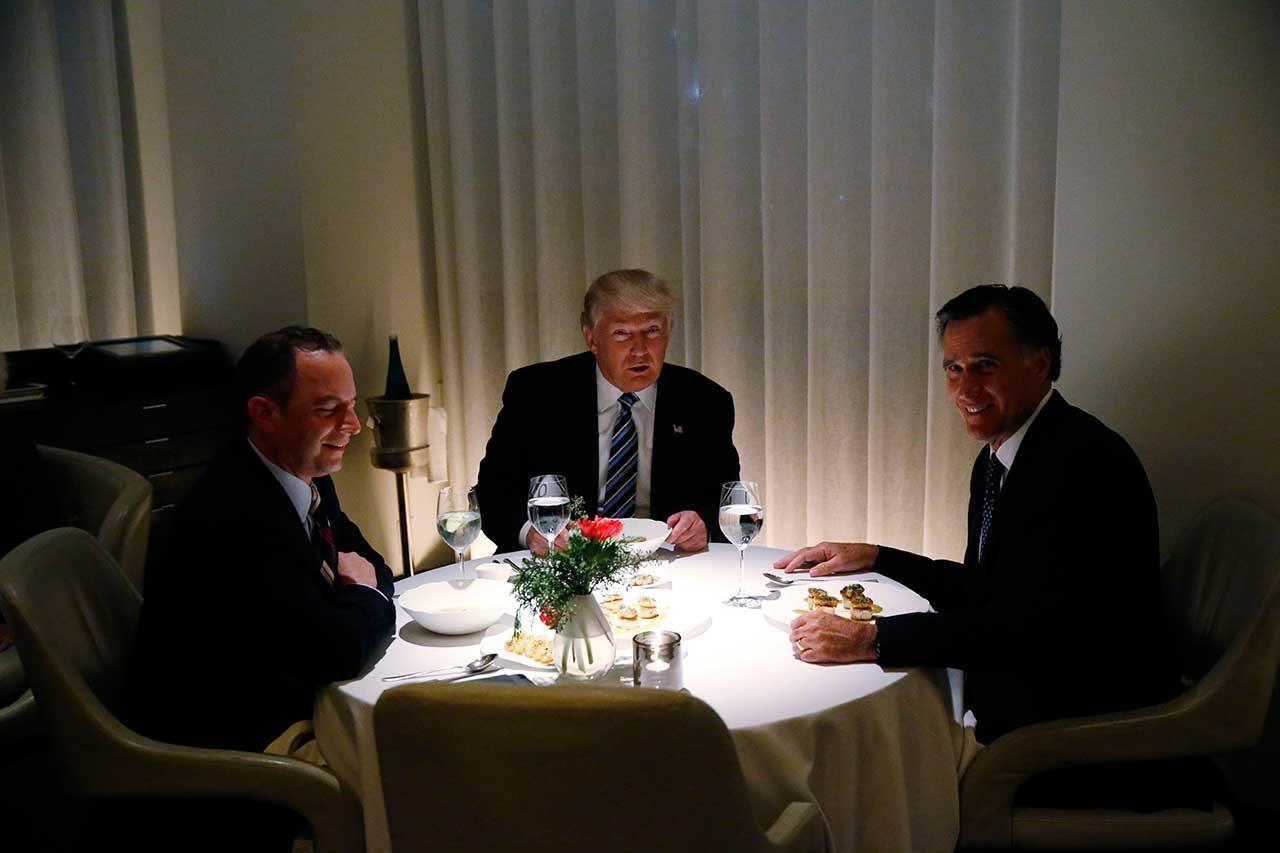 El recordado encuentro entre Donald Trump y su contricante interno republicano Mitt Romney. Tras esa reunión, Trump veía consolidada su figura como la opción republicana (Reuters)