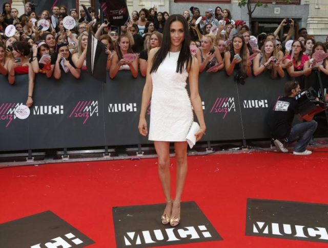 La actriz Meghan Markle llega a la alfombra roja para los Premios MuchMusic Video (MMVA) en Toronto (Reuters)