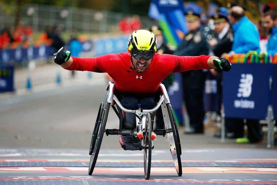 El suizo Marcel Hug supo defender su título y se quedó con el primer puesto de la división silla de ruedas masculina en un tiempo de 1:37:17 hs. con el que alcanzó 15 títulos y cuatro medallas en Río