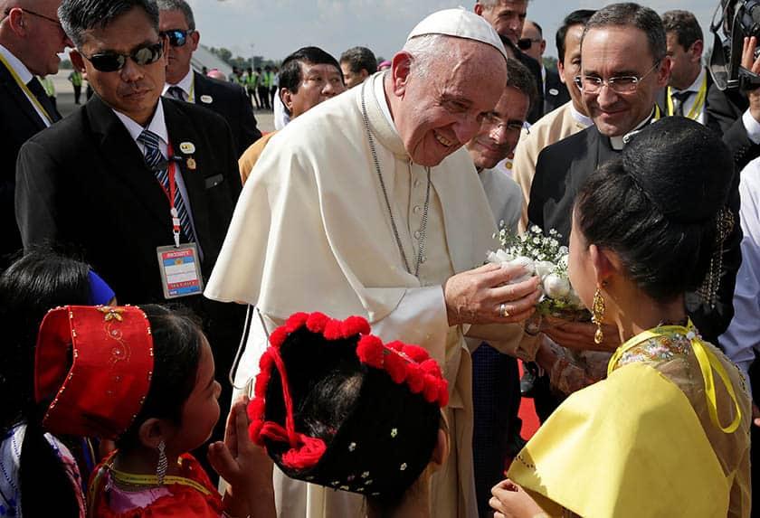 El papa en Birmania.